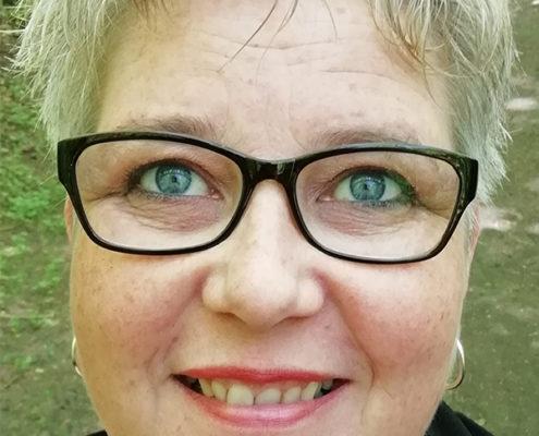 Pam van der Hel medium uit Heemskerk